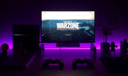 Příprava na hraní hry Call of Duty.