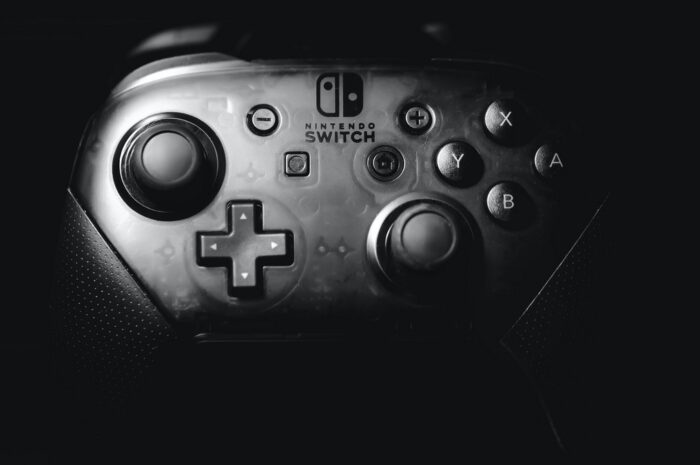 Ovladač ke konzoli Nintendo.